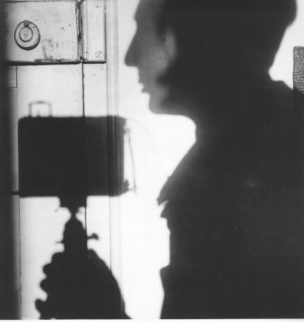 andre-kertesz-shadow-self-portrait-1927