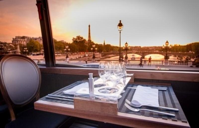 Bustronome - Bus Restaurant à Paris.html 2