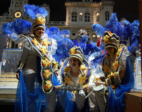 carnaval-Paris-filles-deguisees