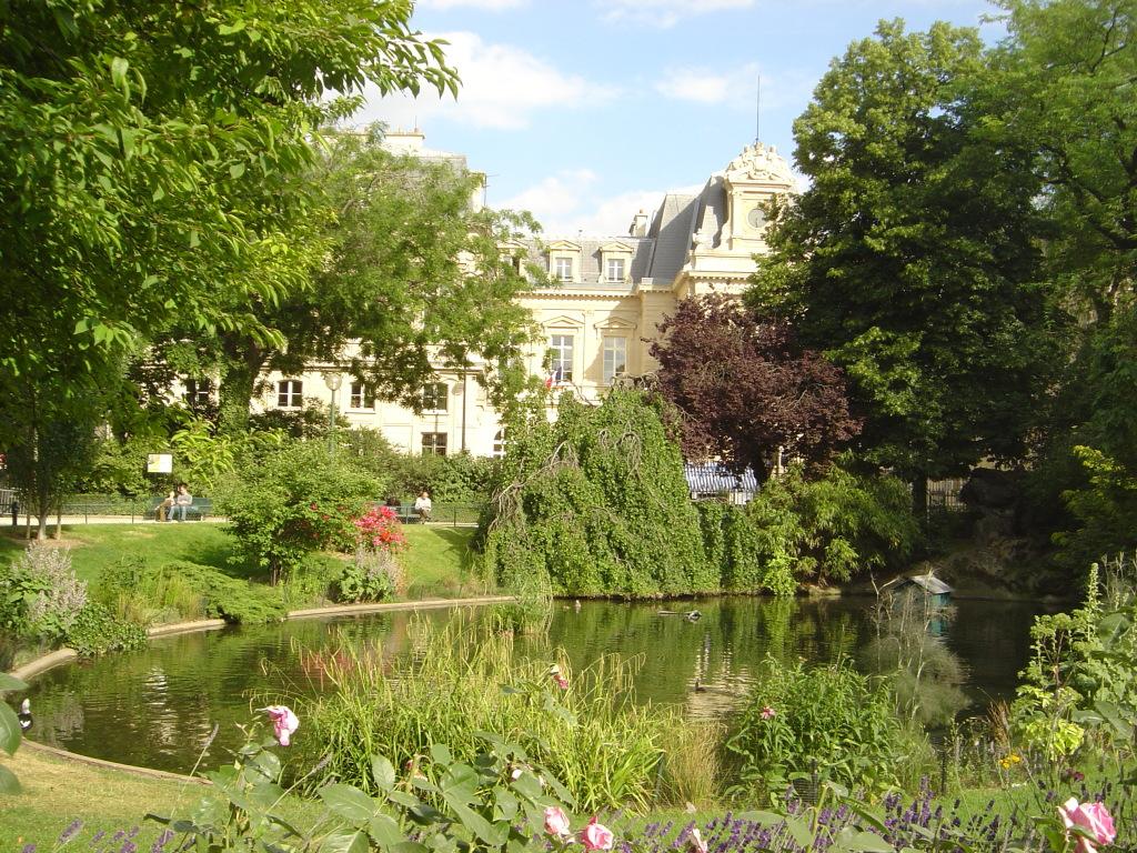 Paris_Square_du_Temple_dsc03980