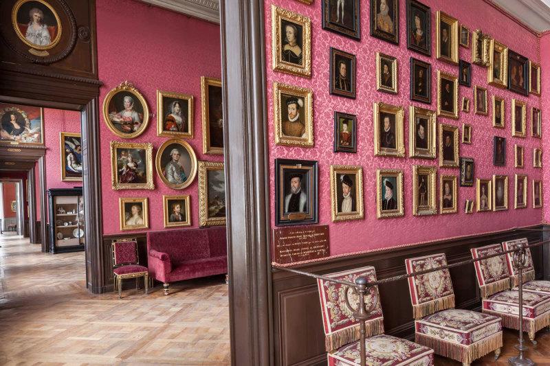 Cabinet-de-clouet-copyright-Sophie-Lloyd